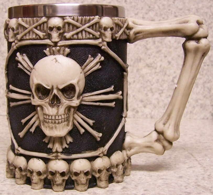 Skull and Bones Beer Tankard or Coffee Mug 20 ounce pour thumbnail